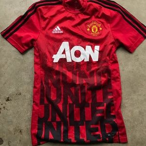 Adidas Manchester United aon men's jersey small